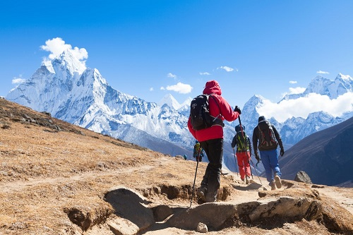 Hikers on the way to Everest Base Camp